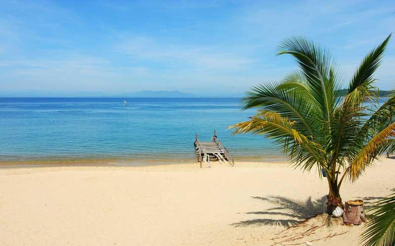 Bải biển cát trắng mịn màng tại Cù Lao Chàm Hội An