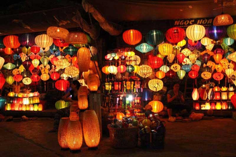 Lồng đèn Hội An đa dạng kiểu dáng, màu sắc