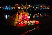Lễ hội thả đèn hoa đăng ở Hội An