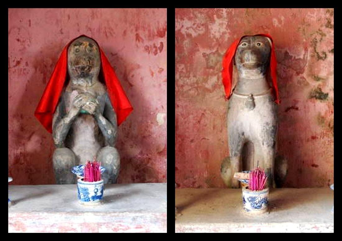 Tượng khỉ và chó trong Chùa Cầu Hội An