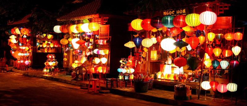 Chợ đêm phố cổ Hội An
