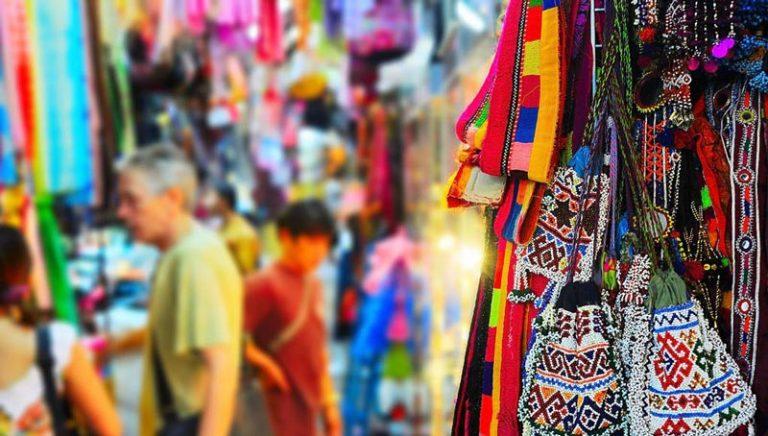 Đi du lịch Thái Lan nên mua gì về làm quà, lưu niệm?