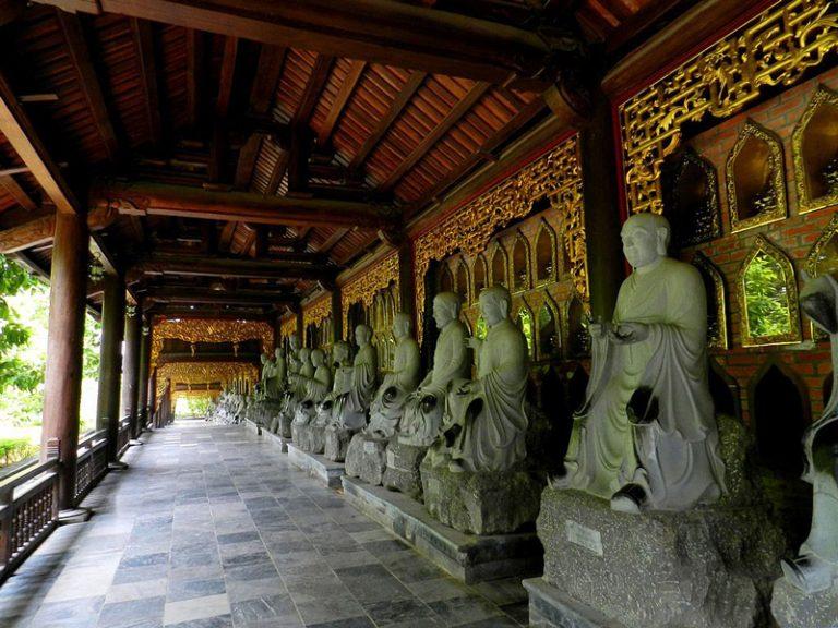 Kinh nghiệm đi chùa Bái Đính cần chuẩn bị những gì? cầu gì? giá vé?