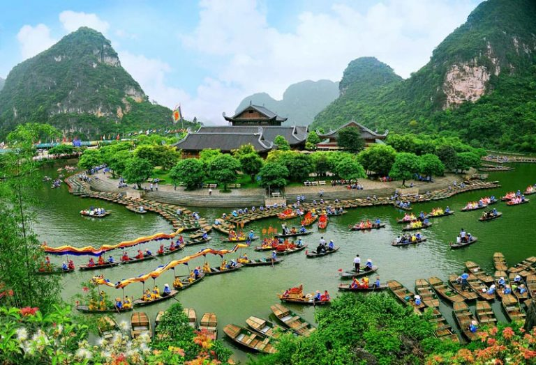 Giá vé đi thuyền và tham quan khu du lịch Tràng An – Ninh Bình 2019