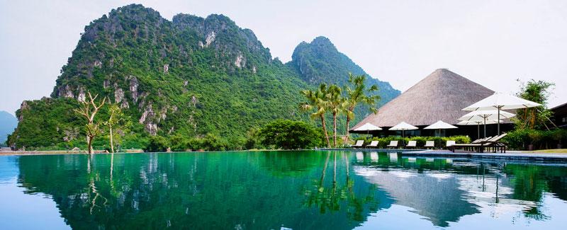 Bể bơi ngoài trời tại Serena Resort