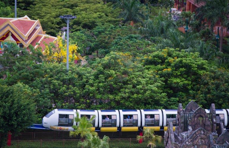Tàu điện Monorail trên không Công viên Châu Á