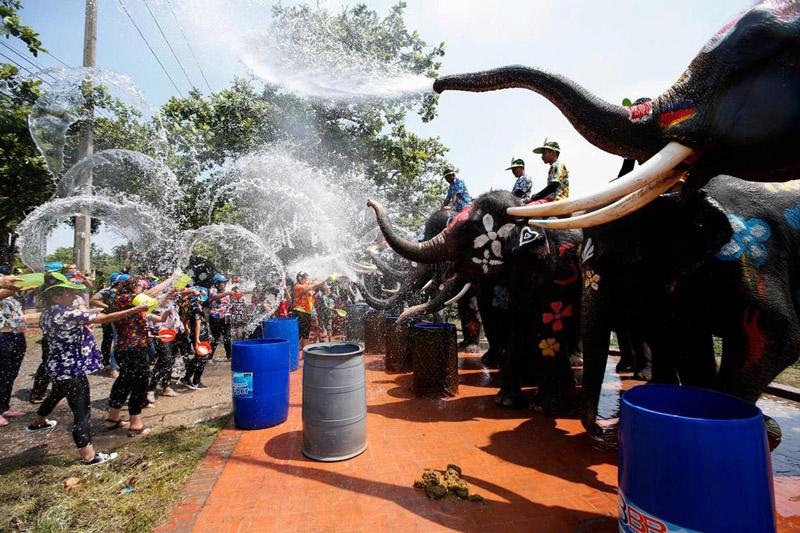 Tết té nước ở Thái Lan