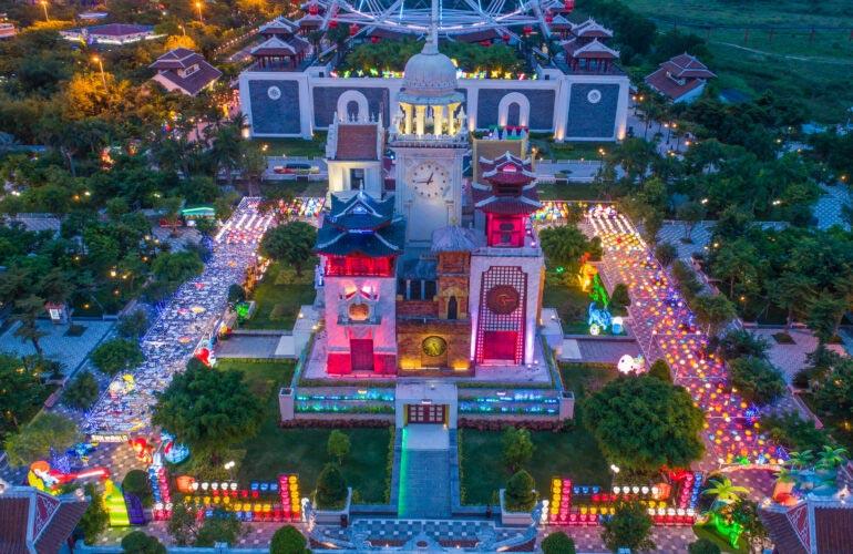 Tháp đòng hồ Công viên Châu Á Đà Nẵng