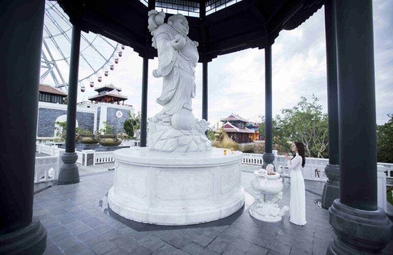 Tượng Phật Di Lặc Công Viên Châu Á Đà Nẵng