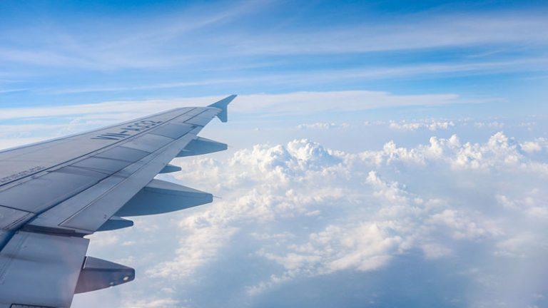 Làm gì khi trên máy bay để thư giản tối đa