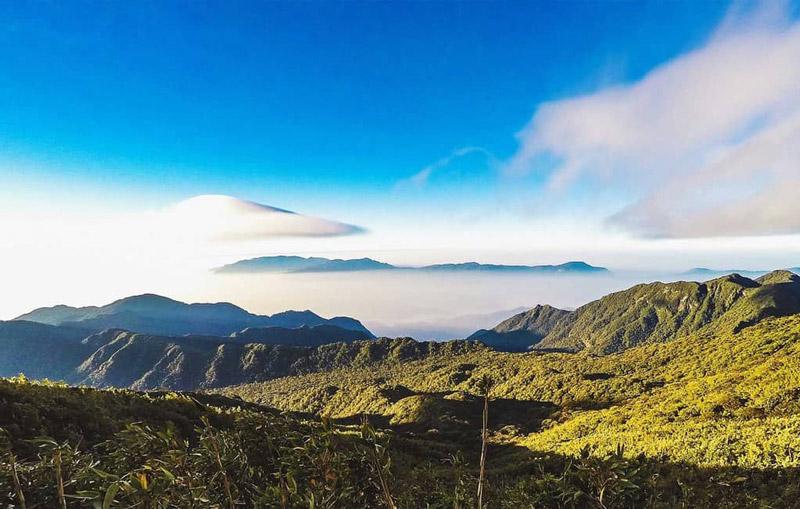 chinh phục đỉnh núi Pu Ta Leng