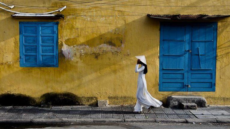 """Nên mặc gì khi đi Hội An – dạo phố cổ nhận """"triệu like"""""""