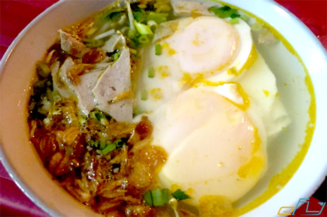 Kinh nghiệm đi du lịch Vinh: bánh mướt xào trứng