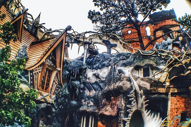 Biệt thự Hằng Nga Đà Lạt – ngôi nhà điên kỳ lạ