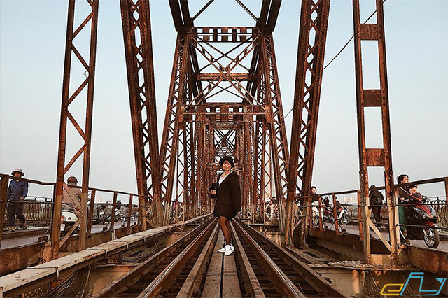 hà nội và các địa điểm ưu thích: cầu long biên