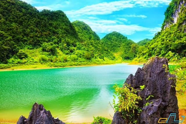 Hồ Than Bằng điểm du lịch nổi tiếng ở Cao Bằng