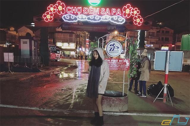 khung cảnh chợ đêm sapa