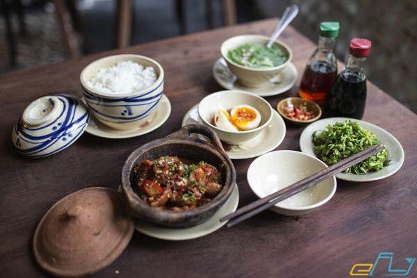 Review cơm niêu Đà Lạt hương thơm hạt gạo Việt