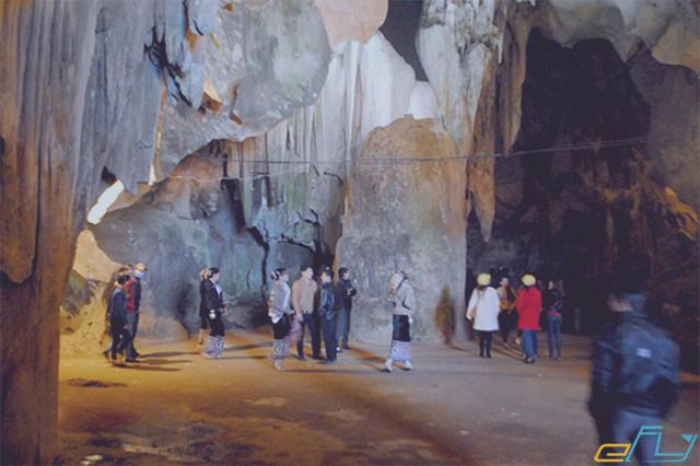 kinh nghiệm du lịch mùa đông ở hang thấm ốm Nghệ An