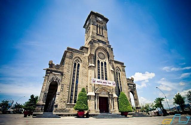 nhà thờ đá nha trang khánh hòa