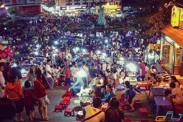 Chợ phố đêm Đà Lạt lúc nhộn nhịp đông vui