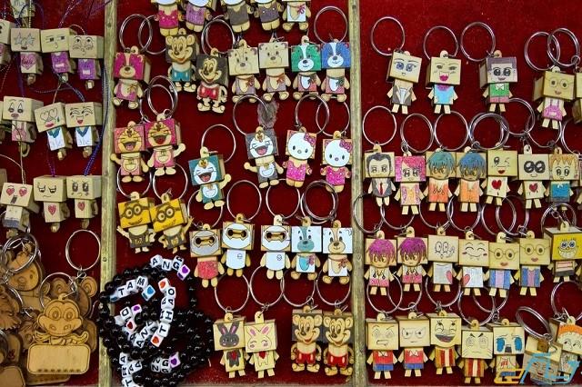 mặt hàng bán trong chợ phố đêm Đà Lạt