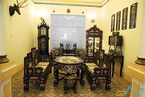không gian phòng khách ở nhà công tử bạc liêu