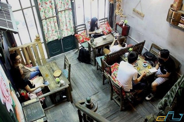 quán cà phê cổ Hà Nội:  Cafe bao cấp