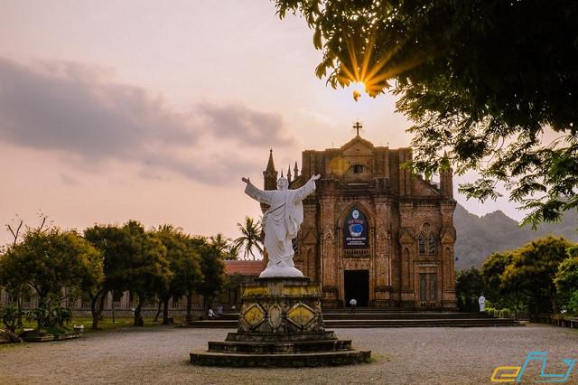 Những điểm du lịch ở Ninh Bình níu chân lữ khách