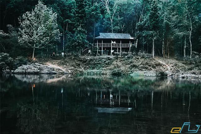 rừng nguyên sinh khe gỗ địa điểm du lịch ở Bắc Giang