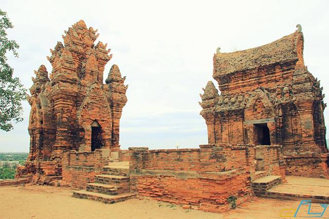 cẩm nang kinh nghiệm du lịch Ninh Thuận 2018 ở tháp chăm ninh thuận