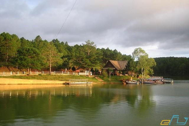 Hồ thuyền đà lạt