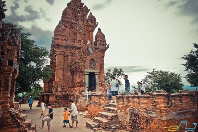 địa điểm du lịch Ninh Thuận: di tích tháp po klong garai