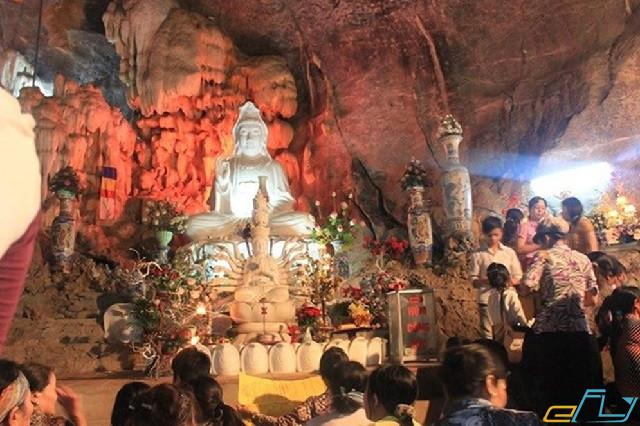 cẩm nang du lịch hồ Thung Nai: đền thờ bà chúa thác bờ